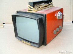 Hordozható kis tv