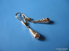 Csepp alakú fülbevaló pár