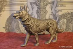 Farkas szobor