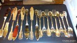 Ezüst 8 személyes halas készlet