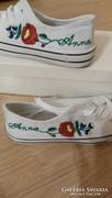 Kalocsai kézzel hímzett cipő