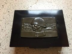 Katonai fém doboz
