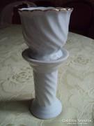 """""""Mini""""porcelán posztamens, kicsi kaspóval."""