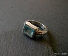 Kék köves ezüst gyűrű - letisztult vonal