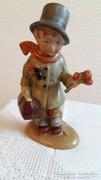 A kis doktor / Bertram porcelán figura