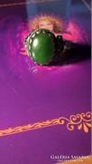 Csodaszép, cizellált, patinás nefrit köves ezüst gyűrű