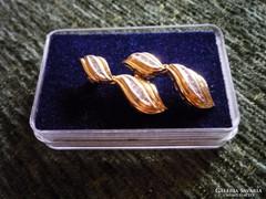 Gyémántköves arany fülbevaló