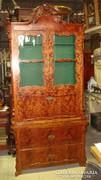 Barokkos Vitrines könyv szekrény.
