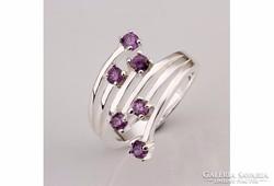 Különleges fazonú lila köves gyűrű ezüstözött 8-as ÚJ!