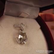 Kicsi és szép zöld ametiszt köves ezüst medál