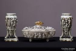Pereiras Valado portugál porcelán 2 váza asztalközéppel puttó jelenetes