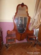 Neobarokk toalett-tükör.