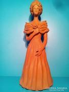 Terrakotta szobor Hölgy estélyiben jelzett 27 cm
