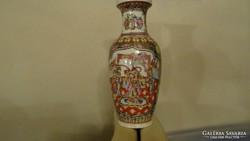 Jelenetes kézi festésű kínai váza