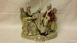Gyönyörű nagy porcelán zenélő páros szobor