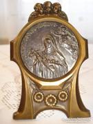 Szecessziós, Szent Terézt ábrázoló dombormű