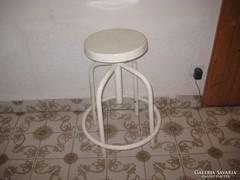 Retró  patikus forgó szék  , 60 as évekből ,állítható magassággal
