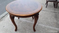 Barokk dió gyökér berakásos asztal