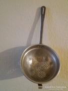Régi, alumínium tésztaszűrő