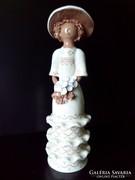 Hajna kerámia kalapos nő szobor látványos 30 cm