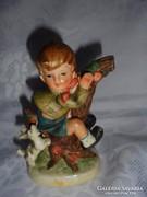 Hummel jellegű porcelán figura