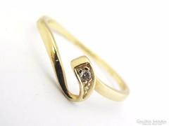 Arany női  köves gyűrű  (Szeg-Au64081)