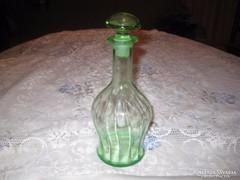 Likőrös üveg