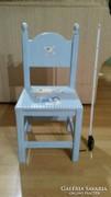Gyerek szék fa órával együtt kisszék színesben kalózos világoskék együtt eladó