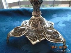 Ezüstözött rokokó dombormintás talpas fogós szerelék-29 cm