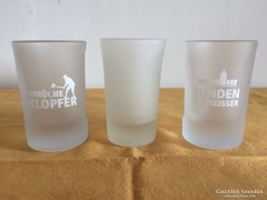 3 db röviditalos Jägermeisteres tejüveg pohár