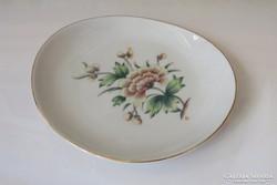 Kis kínáló tálka Holloházi porcelán szegfű virág motívummal