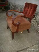 Kecses hajlított karfás régi fotel