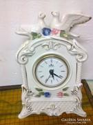 Porcelán, gyünyörű, elemmel működő óra, PONTOS!