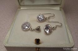 Köves ezüst fülbevaló + ezüst medál szett