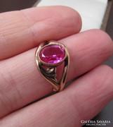 Orosz aranyozott ezüst gyűrű pink kővel - 925-ös