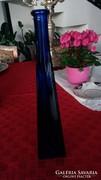 Kék 3 szögletű üveg váza, egy szál virágnak v. csokornak