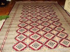Pakisztáni kézicsomózású szőnyeg
