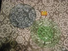 Halványkék és halványzöld régi, üveg kínáló tányér-két darab