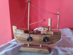 Faragott fa kishajó