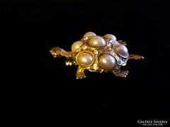 Arany színű teknős bross kitűző