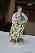 Német porcelán női figura