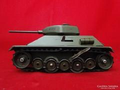 7639 Antik német lemezárugyári M610 tank