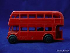 7699 Régi lendkerekes angol emeletes piros busz