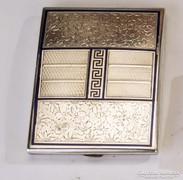 Ezüst virág mintás cigarettatárca