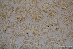 Szép elefántos, arany szálas, flitteres falvédő vagy terítő ( DBZ 0084)