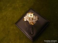 Brilles modern arany gyűrű