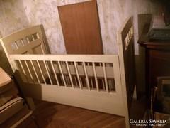 100 éves Art Deco gyermekágy kiváló állapotban
