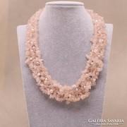 Rózsakvarc nyakék tenyésztett gyöngyökkel