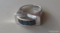Ezüst gyűrű onixal