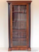 Könyvszekrény korinthoszi oszlopos [D09]